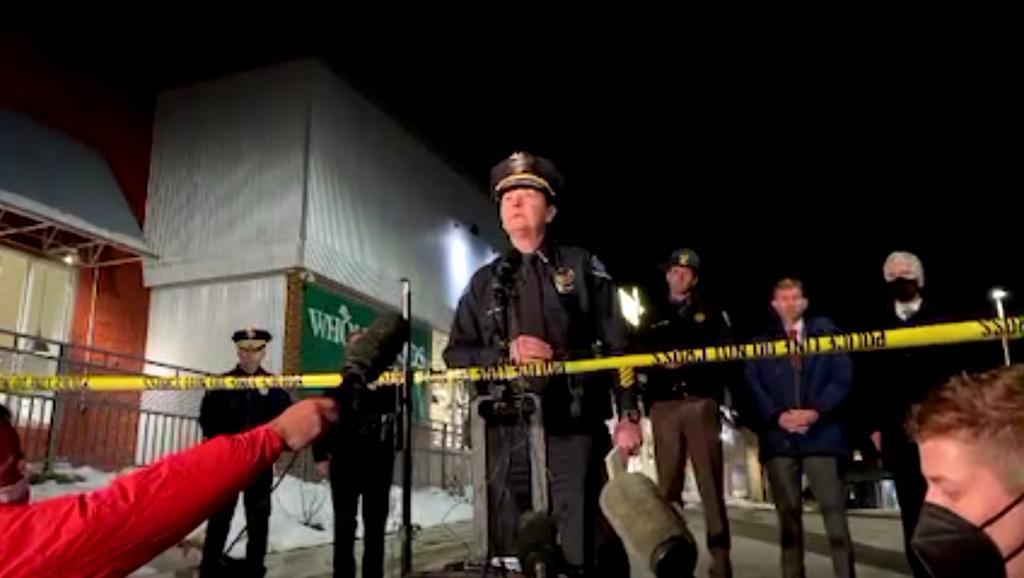 Reporta Policía de Boulder 10 víctimas mortales tras tiroteo en supermercado