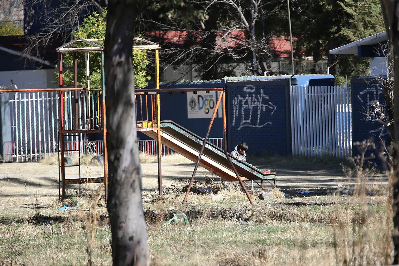 Desertaron dos de cada  10 alumnos en Durango