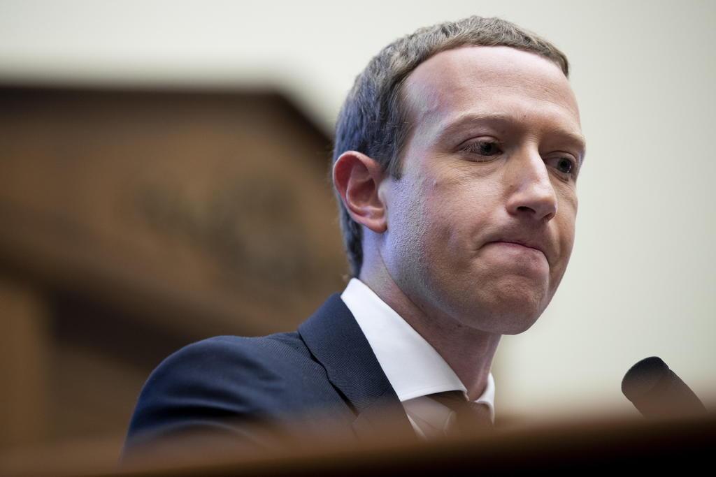 Zuckerberg defiende a Facebook; culpa a Trump de asalto al Capitolio