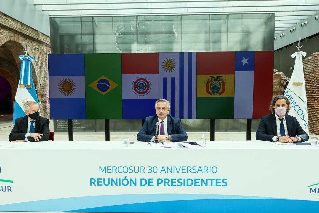 Cumple Mercosur 30 años con cruce de posturas sobre su apertura comercial