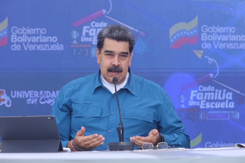Acusa oposición a Maduro de usar pandemia con criterios de control social