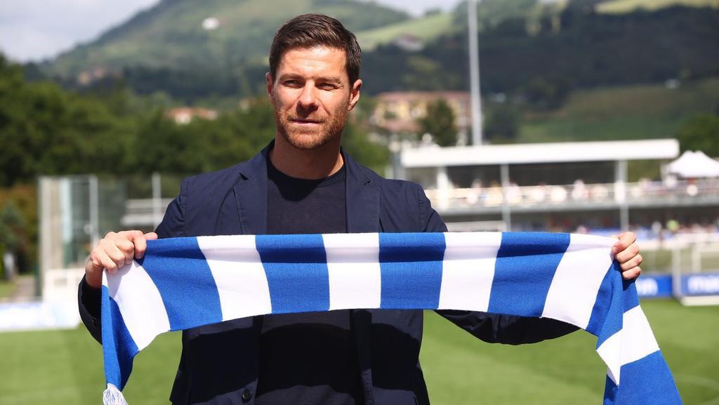 Xabi Alonso renueva con filial de Real Sociedad hasta 2022