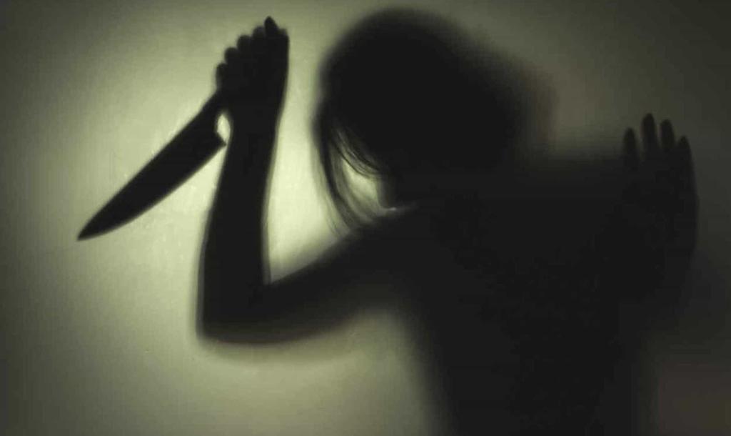 Detienen a mujer 'vampiro'; apuñaló a un hombre e hirió a otros para beber su sangre