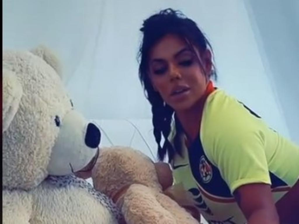 Suzy Cortez apoya al Club América con sensuales videos en TikTok