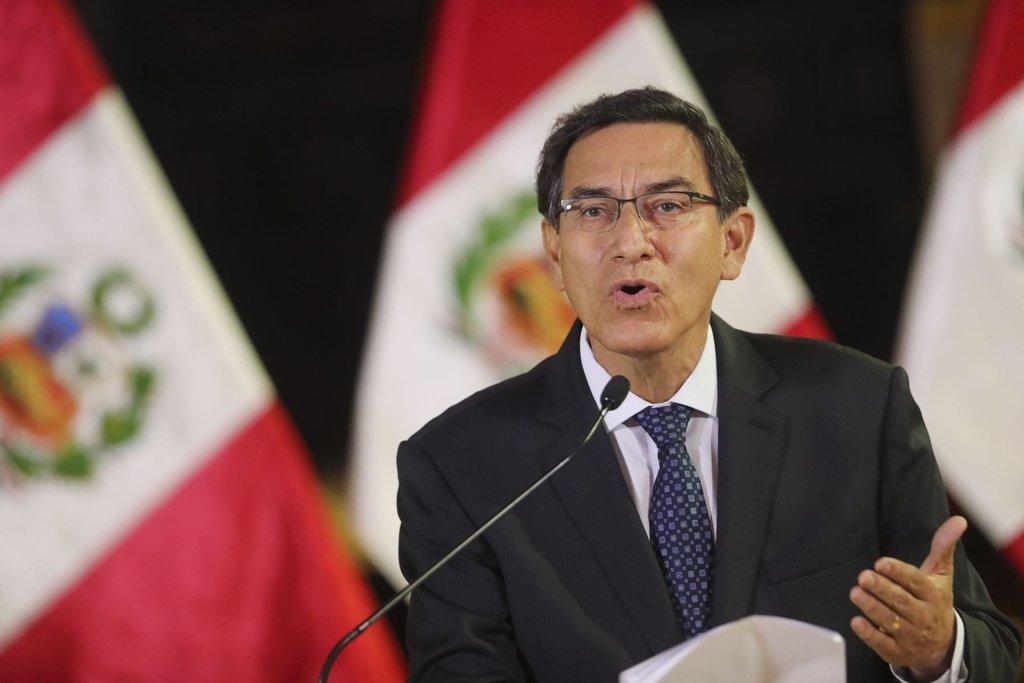 Vizcarra presenta amparo contra Congreso peruano