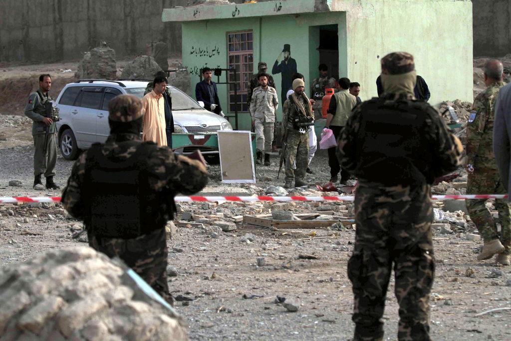 Ataque talibán deja 15 afganos muertos