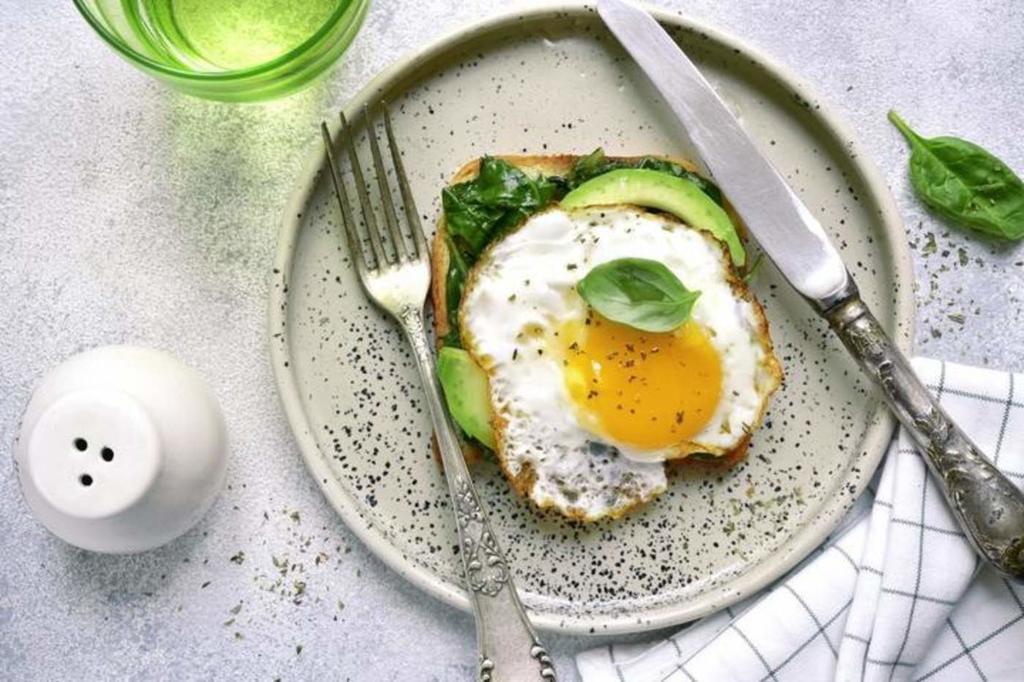 Experto de la UNAM derrumba mito de comer más de 2 huevos al día