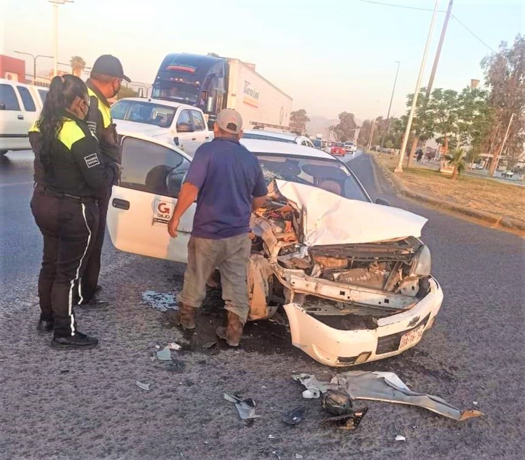 Choca contra auto en Gómez Palacio y huye; fue detenido luego de una persecución