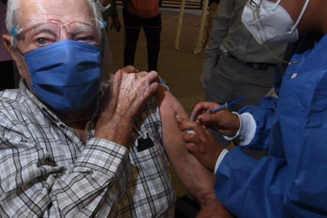 Arranca vacunación anti Covid-19 en el municipio de Durango