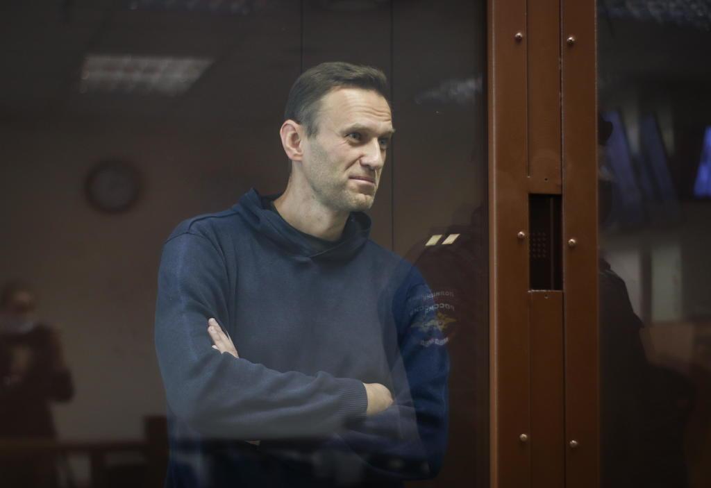 Enferma Navalni en prisión; continúa su huelga de hambre