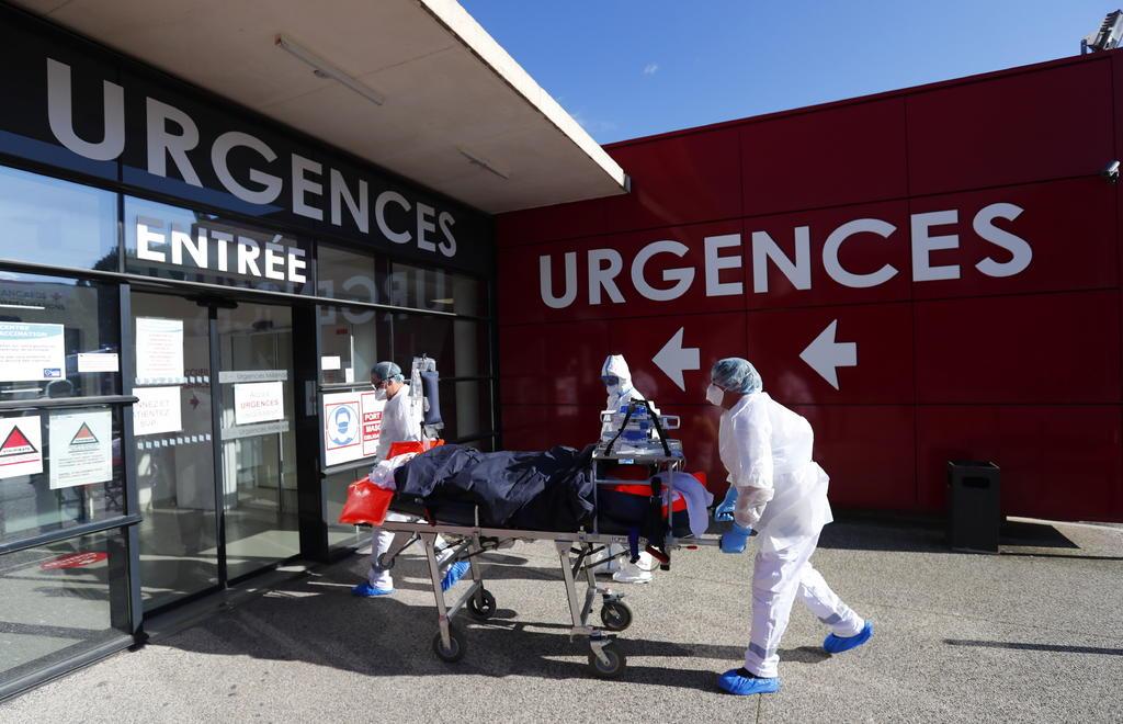 Supera Francia los 30 mil hospitalizados por COVID-19