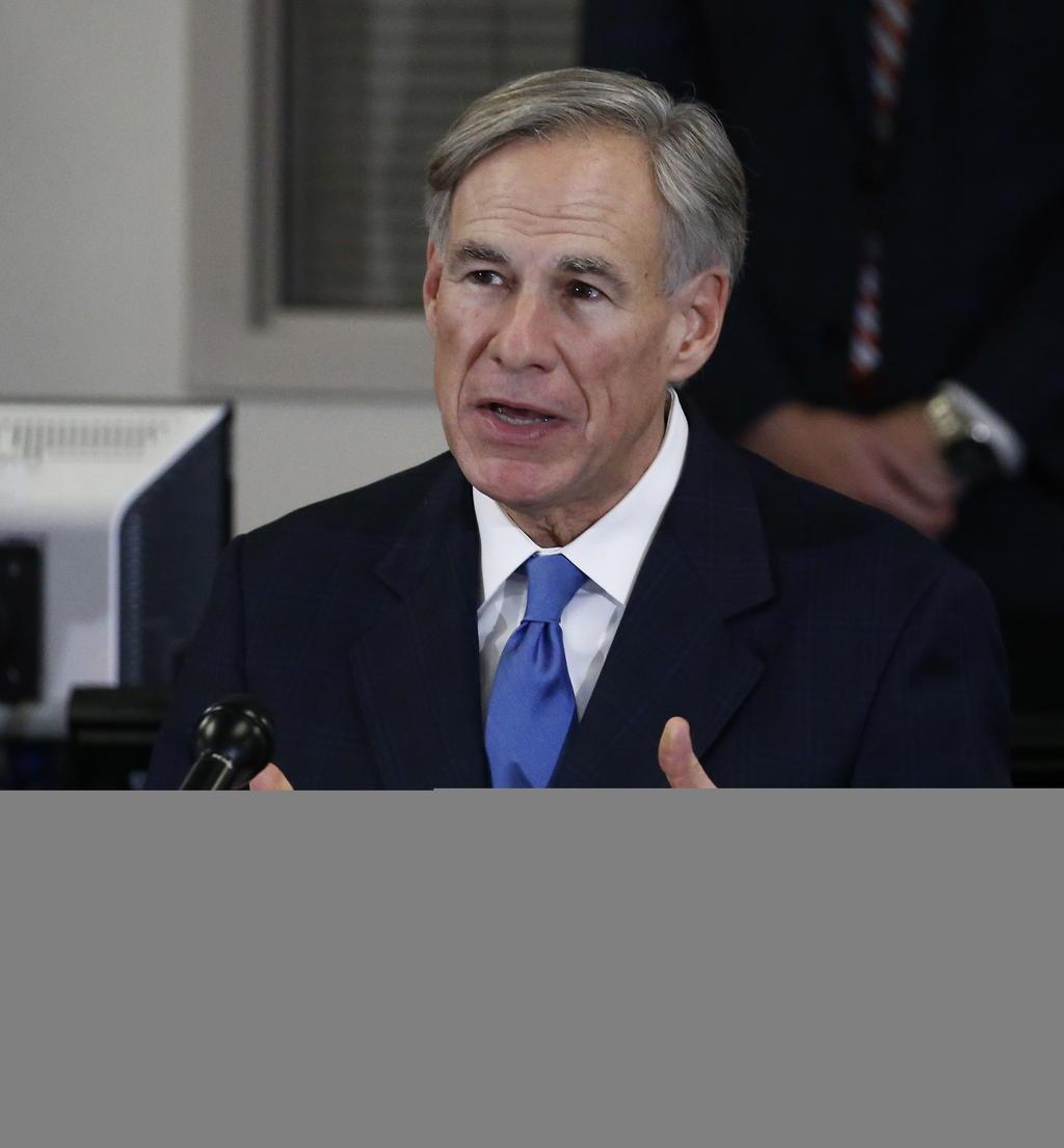 Gobernador de Texas prohíbe pedir 'pasaporte de vacunación'
