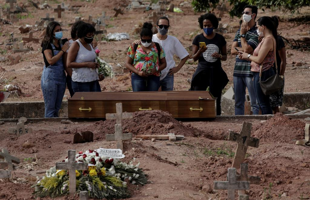 Sobrepasa Brasil récord de 4 mil muertes diarias por COVID