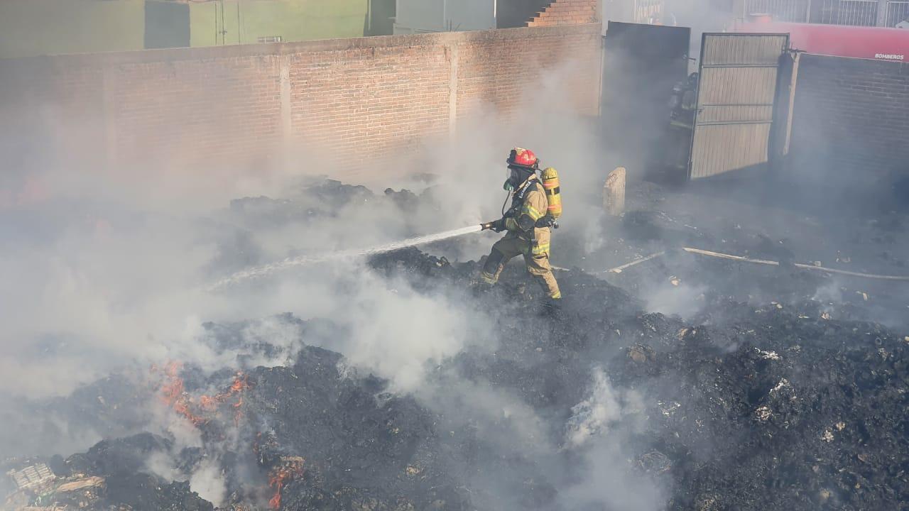 Se registra incendio en la colonia Valle del Guadiana