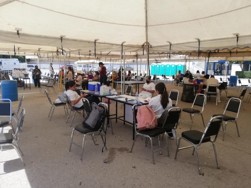 Concluye vacunación antiCOVID en el núcleo universitario de Gómez Palacio