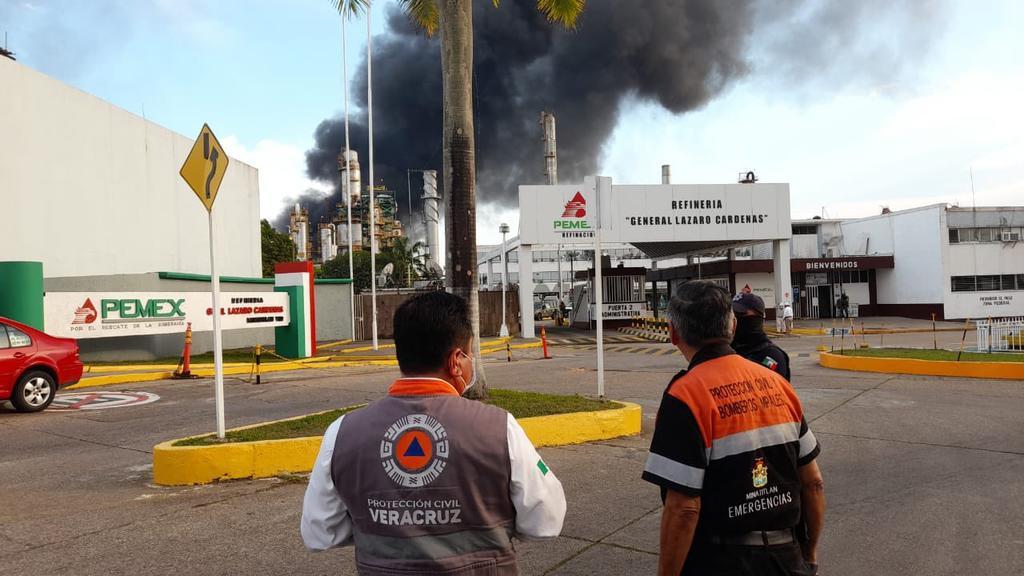 Controlan incendio en refinería de Minatitlán; reportan al menos seis heridos