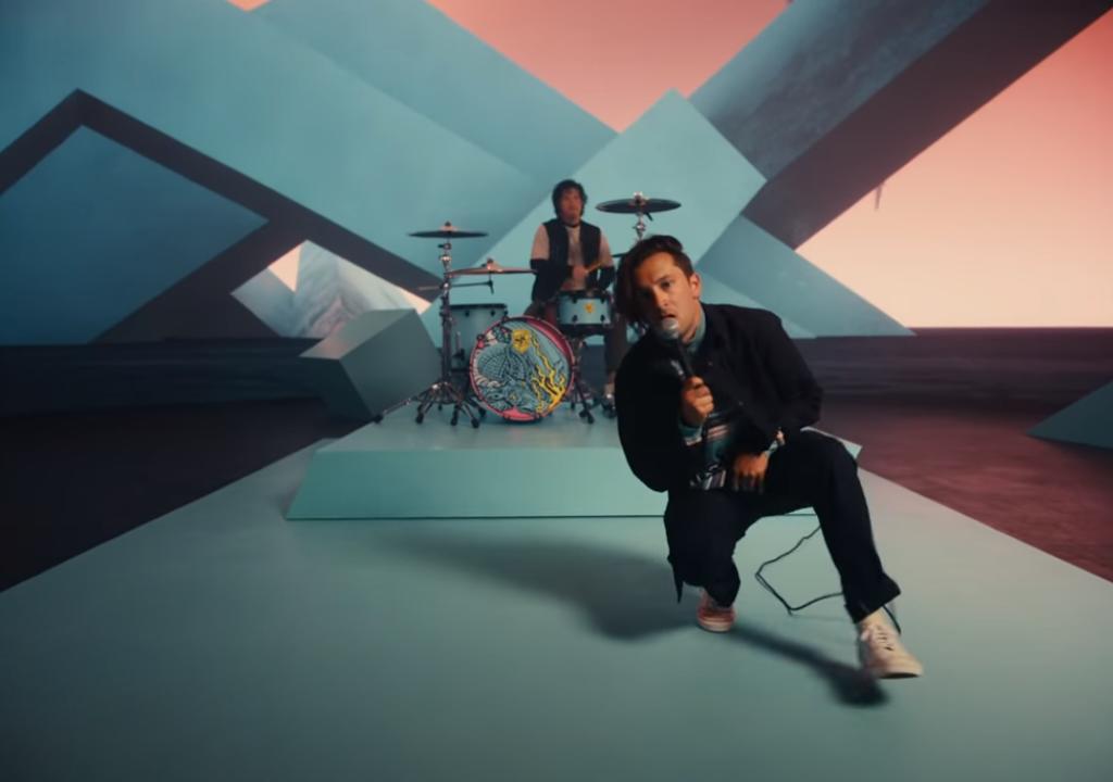 Twenty One Pilots revela Shy Away, primer sencillo del álbum Scaled and Icy