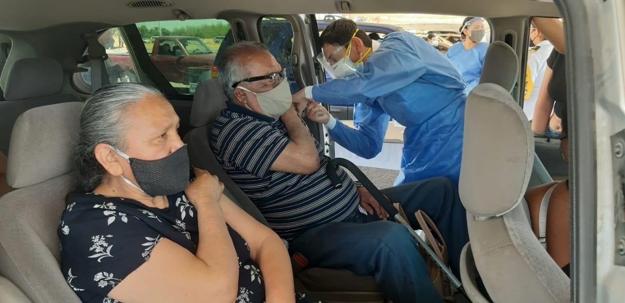 Con retraso, arrancó vacunación en Durango capital
