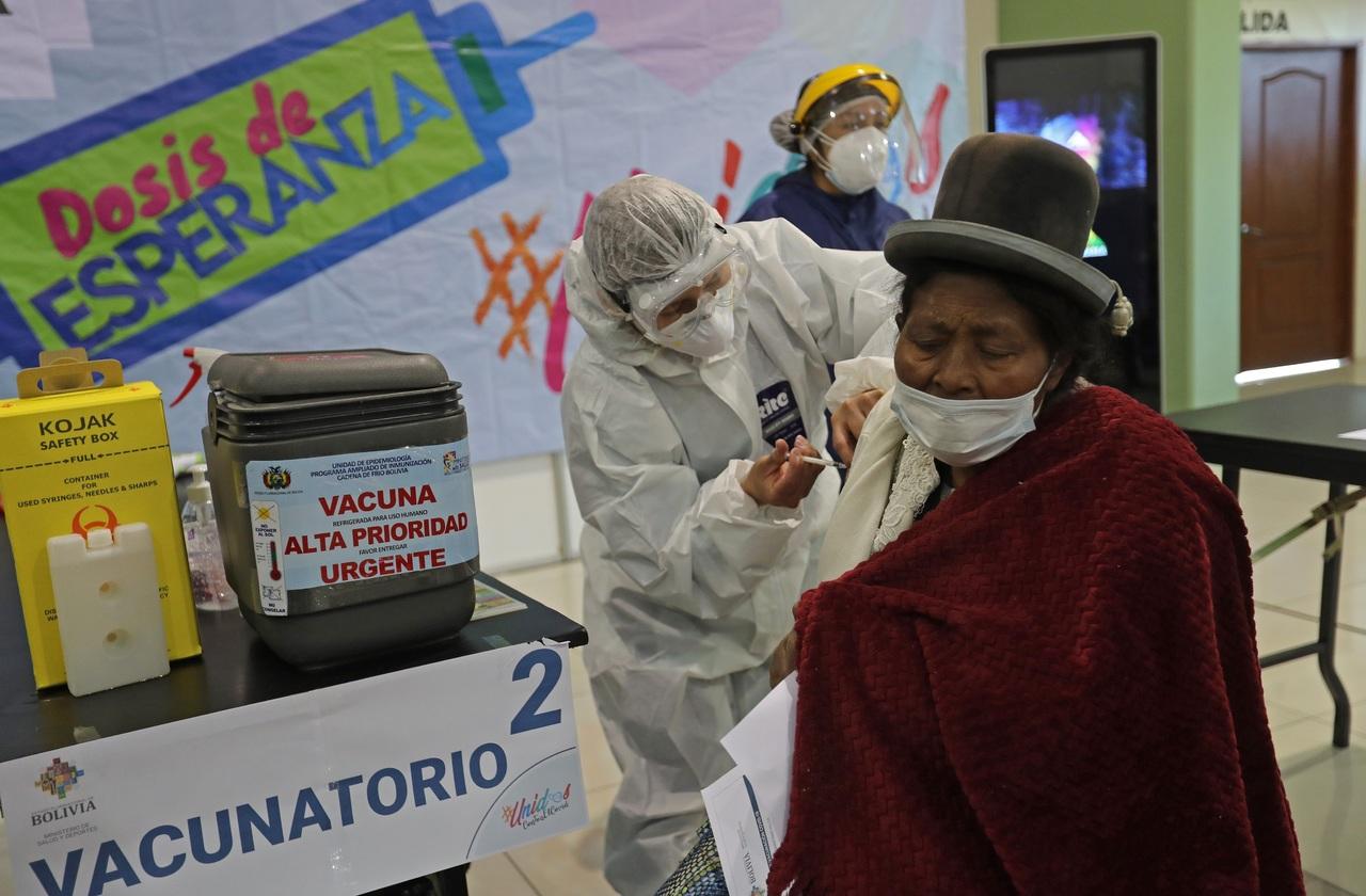 Denuncia Bolivia la falta de vacunas