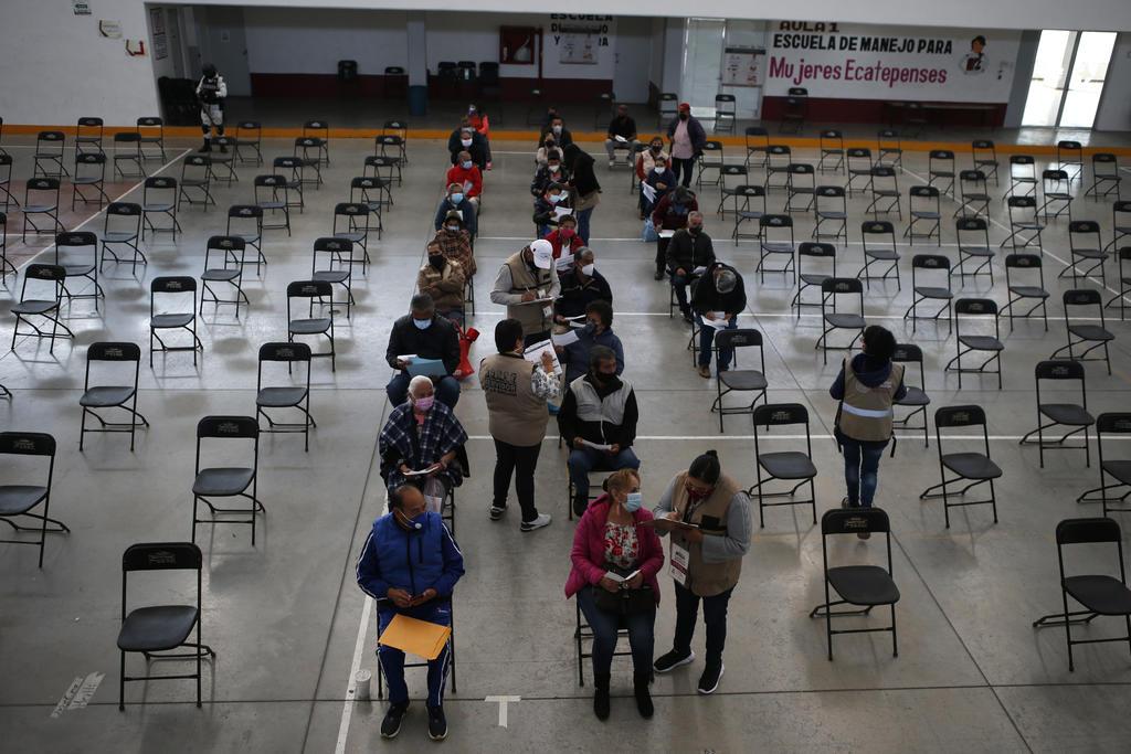 A ritmo actual, 19 meses para vacunar al 75 % de la población en México