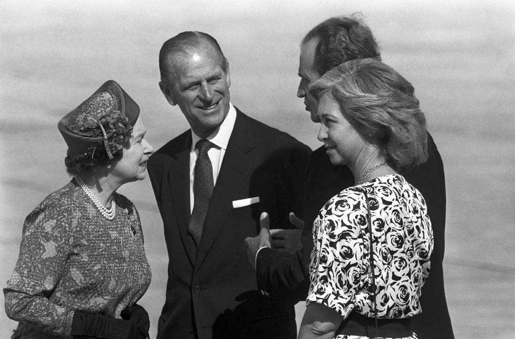 Expresan reyes de España su 'profunda tristeza' por muerte del príncipe Felipe de Edimburgo