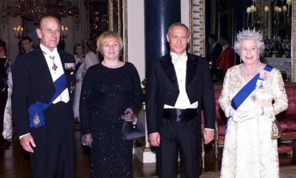 Putin ofrece sus condolencias a Isabel II por muerte del príncipe Felipe