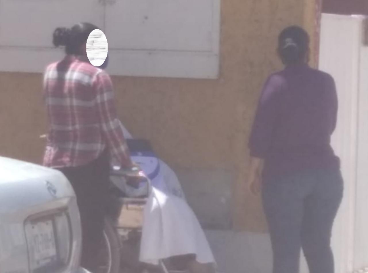 Fallece hombre afuera de clínica particular en Durango