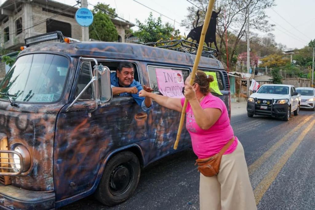 Parte caravana en apoyo a Félix Salgado rumbo a CDMX