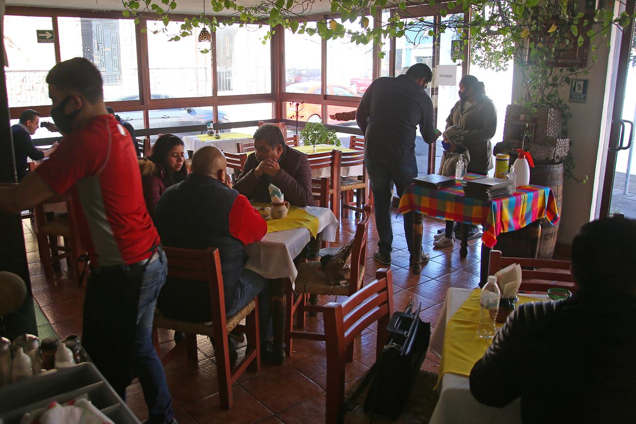 Piden vacunas para el sector restaurantero de Durango