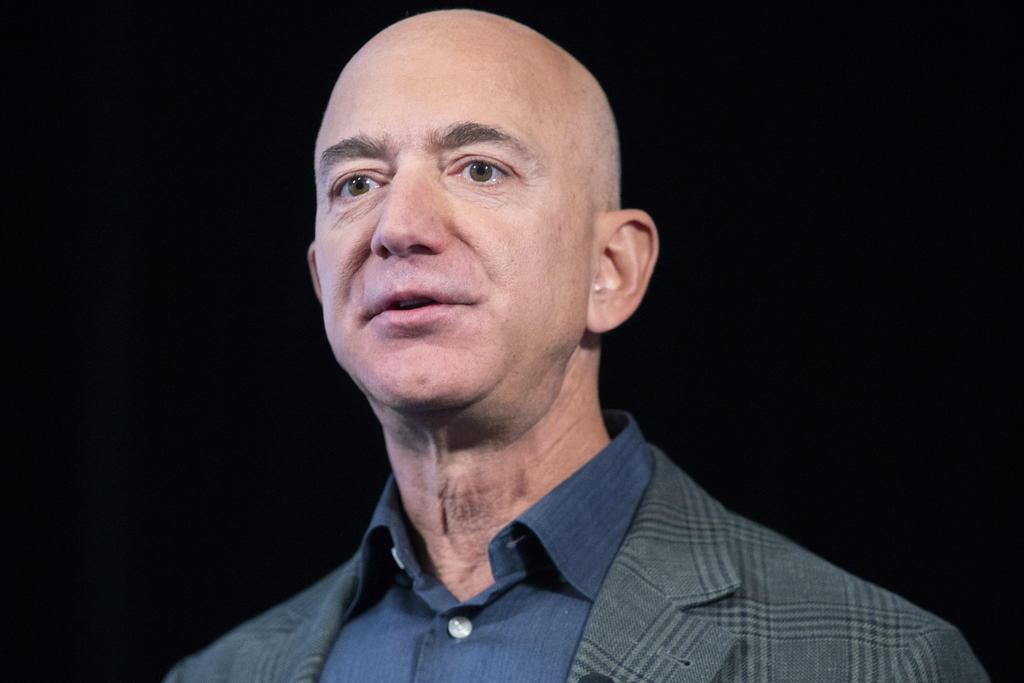 Afirma Jeff Bezos que Amazon debe hacer 'un trabajo mejor' con empleados