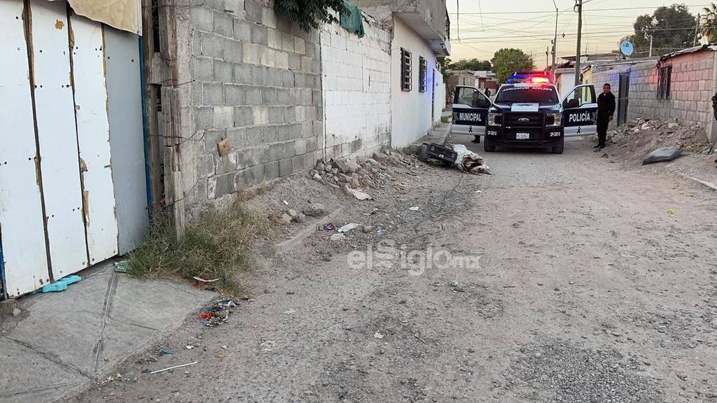 Localizan en Gómez Palacio  cadáver de hombre abandonado sobre carro infantil