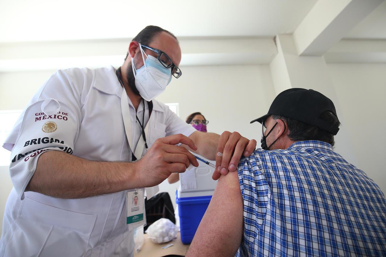 Solo falta un municipio por vacunar a los adultos mayores