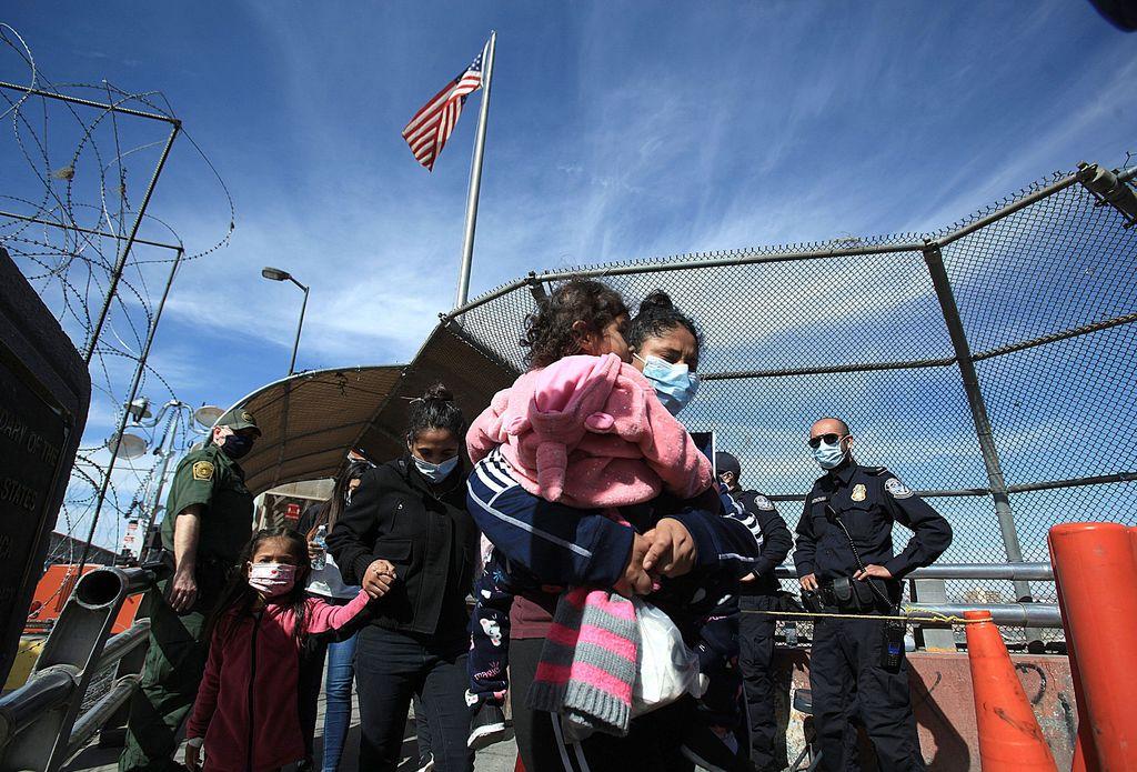 EUA no se referirá a migrantes como 'aliens'