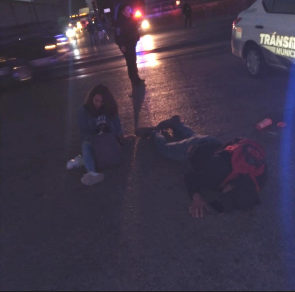 Joven pareja es arrollada en el Periférico de Gómez Palacio