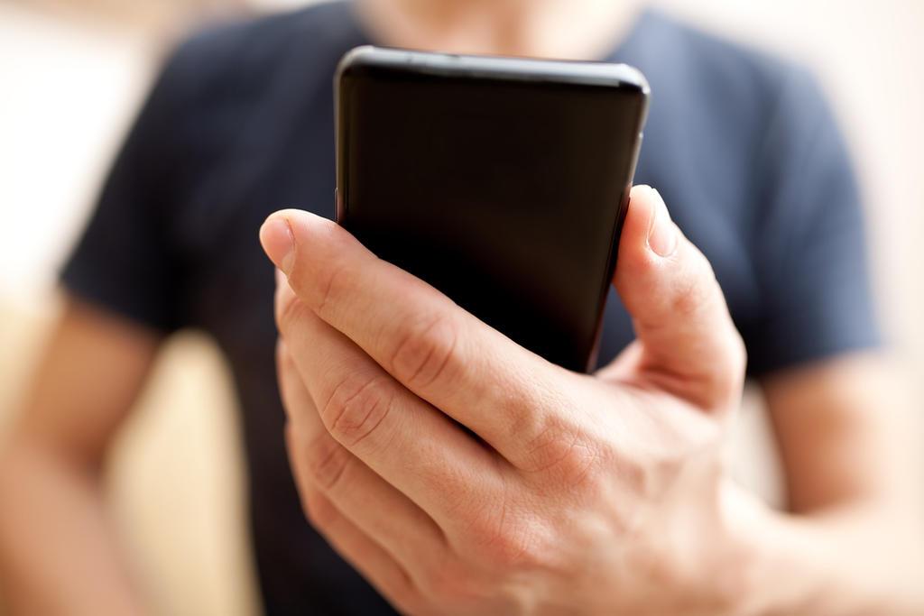 Otorgan primer freno a usuario contra padrón de celulares en México