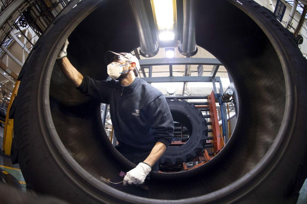 Personal manufacturero registra alza marginal en México