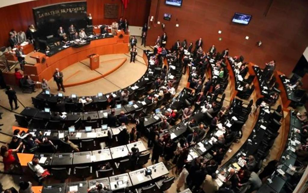 Arranca discusión de dictamen para regular outsourcing en Senado