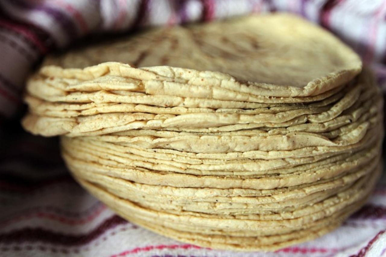 Pega a la economía popular, aumento en la tortilla
