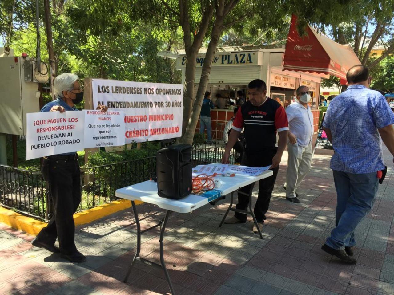 Buscan firmas para impedir solicitud de crédito de Lerdo