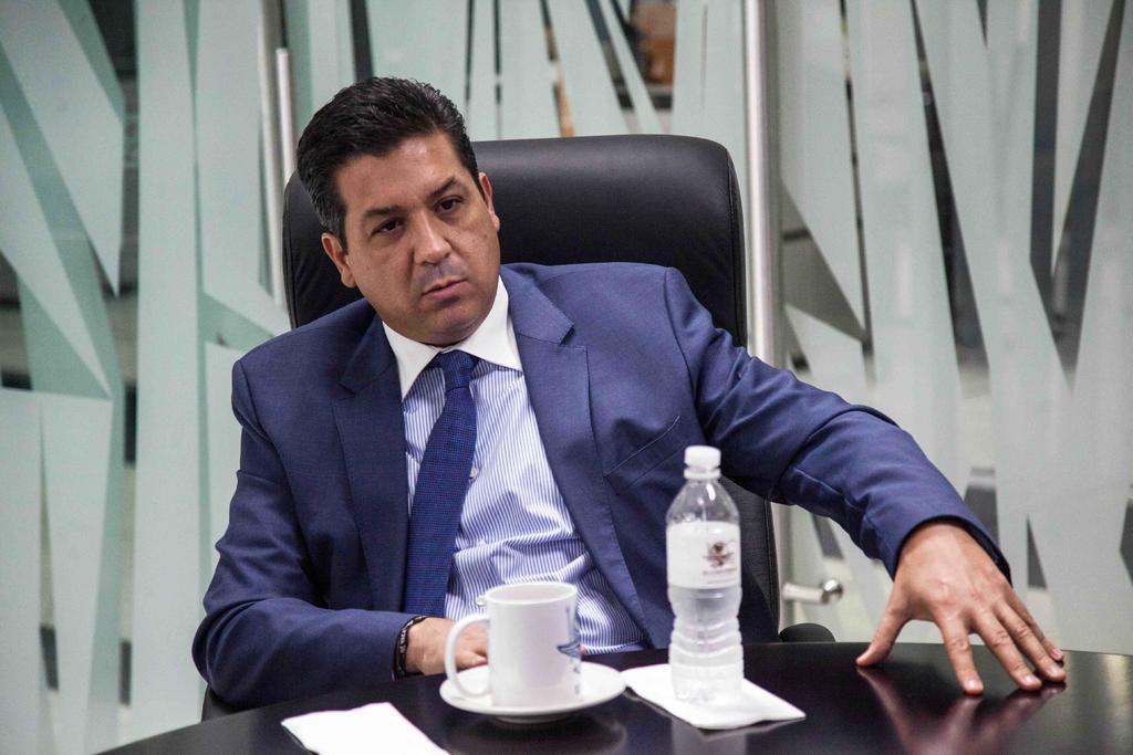 Publica García Cabeza de Vaca declaración de impuestos