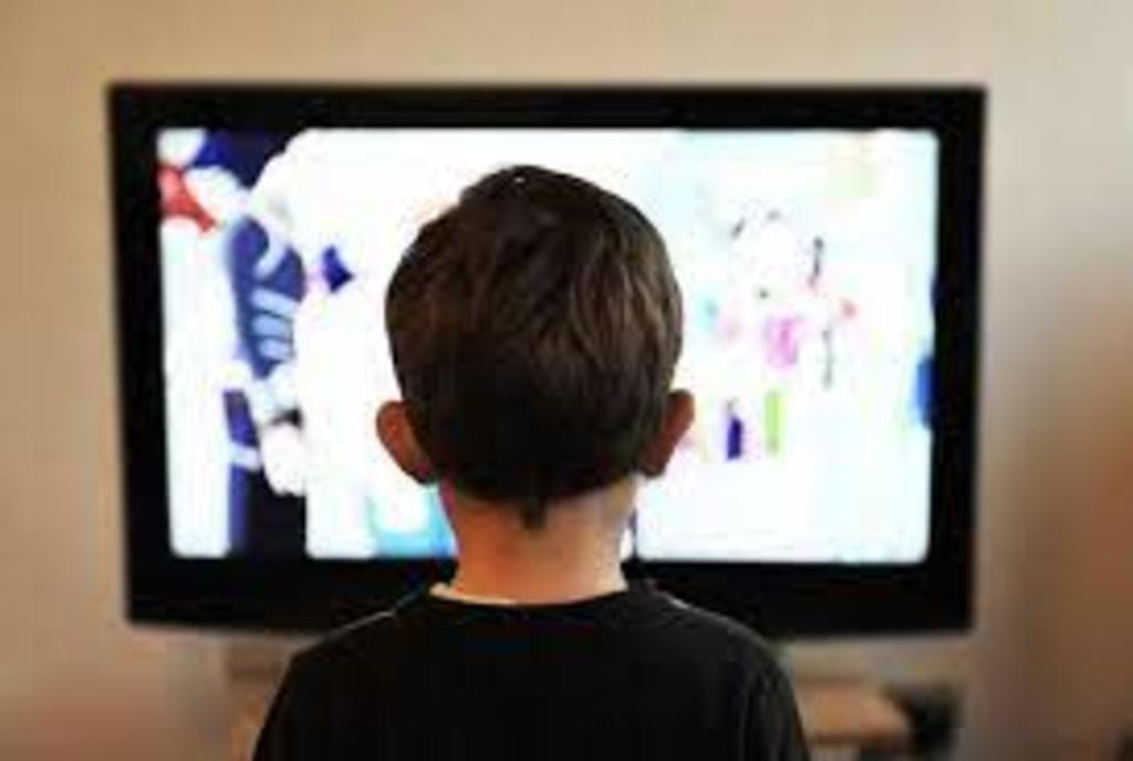 Destinan niños más de 4 horas para ver TV; ven telenovelas: IFT