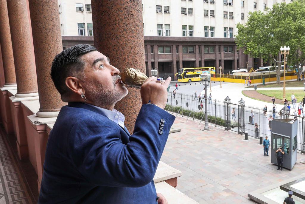 'Diego Maradona agonizó 12 horas antes de morir y sin tratamiento médico'