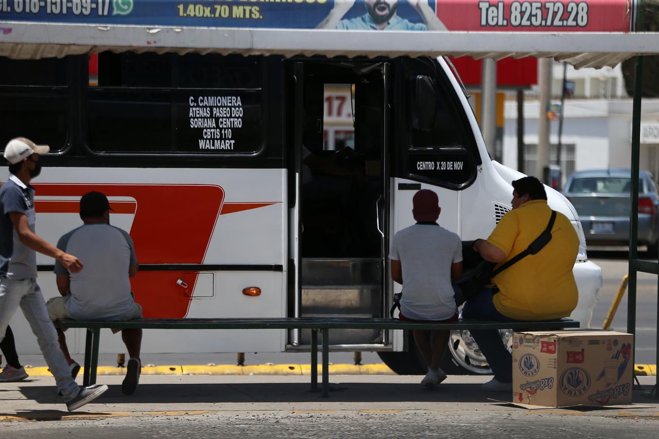 Crisis afecta a transportistas y usuarios