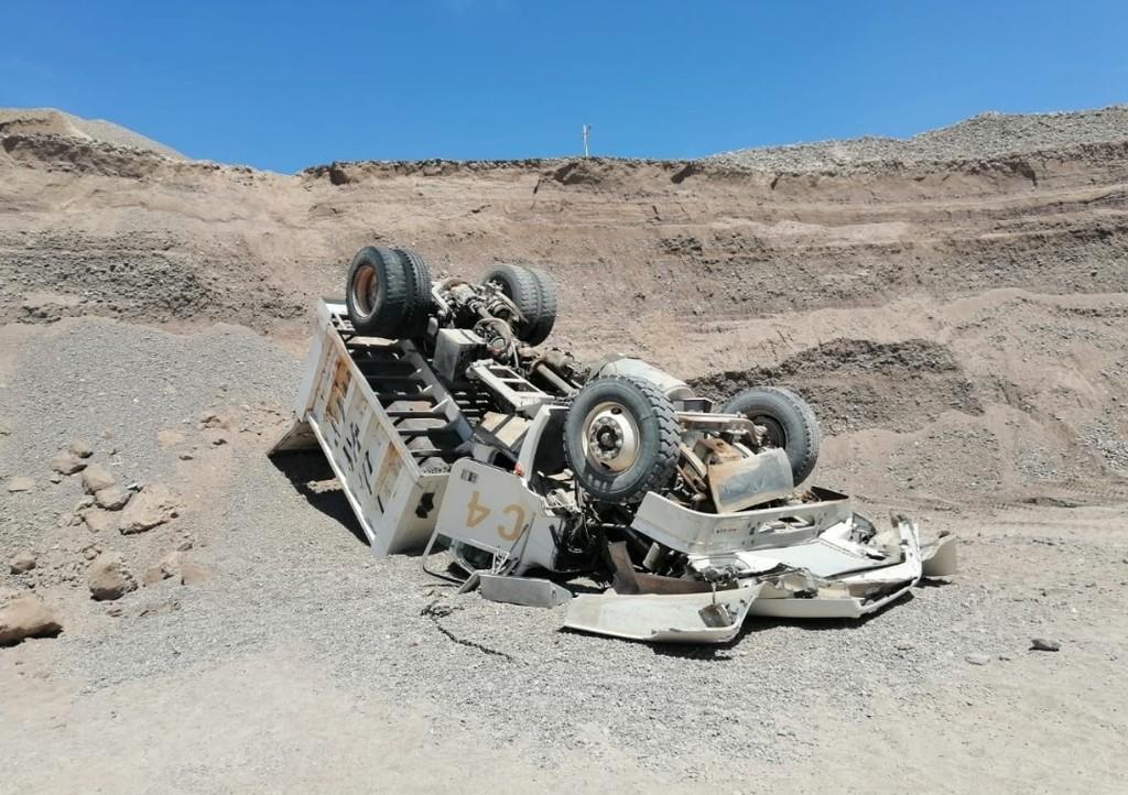 Trabajador queda atrapado en cabina de camión en Lerdo