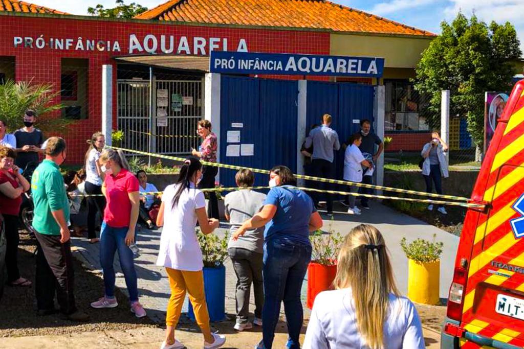 Mata hombre a varios niños y maestra en guardería en Brasil