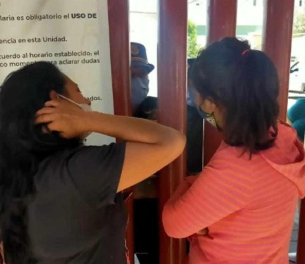 Dos mujeres se unen en la búsqueda de sus esposos tras colapso del metro