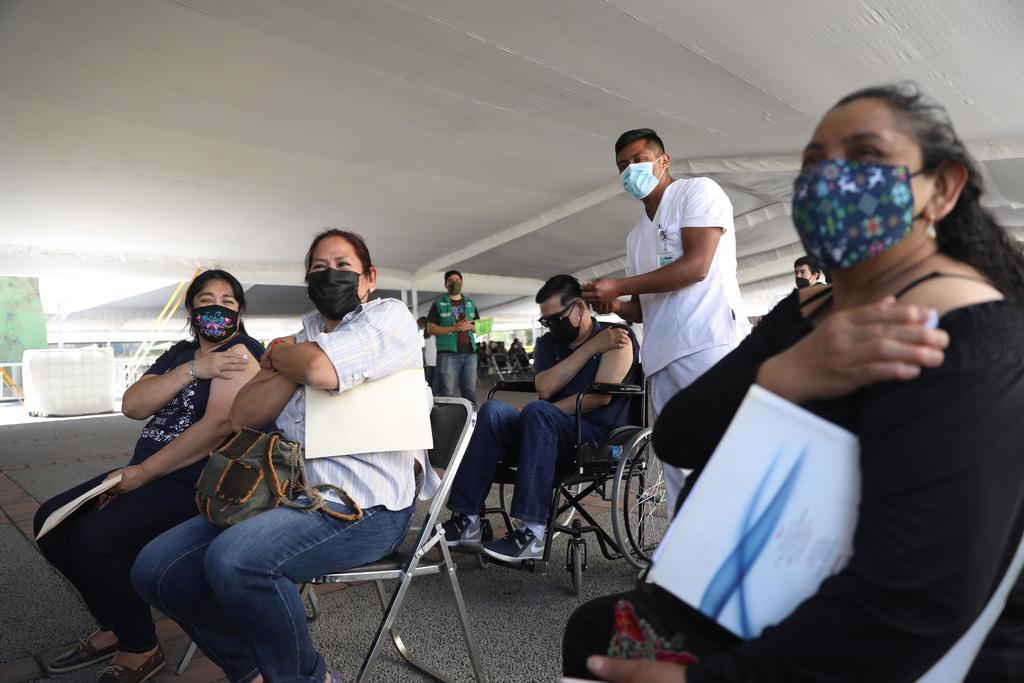 Con amparo médicos privados serán vacunados contra COVID en CDMX