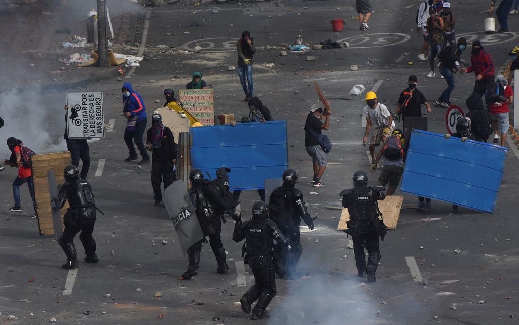 Enfrenta Colombia el reto de mantener el orden fiscal y la estabilidad social