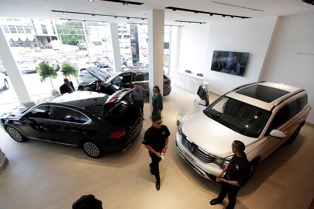 Crece 139 % venta de autos en abril en México
