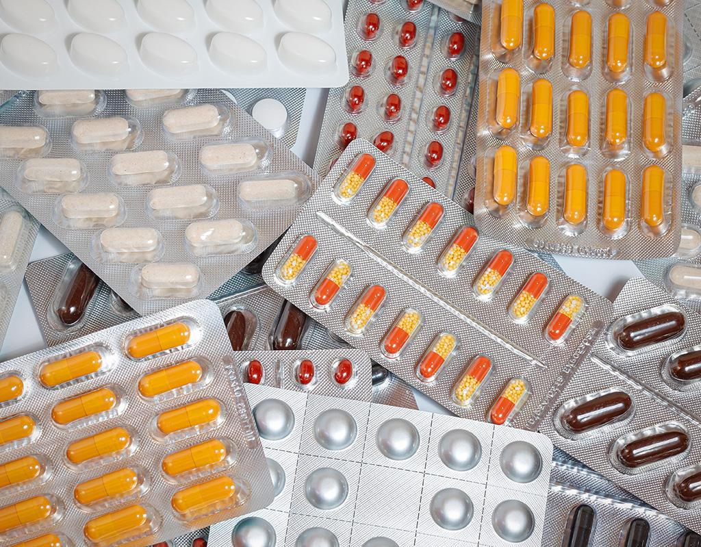 Dicta Cofepris nuevos criterios para fabricación de medicamentos